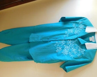 "Vintage Teal Blouse and Pants Set Made by ""teddi"" Size Medium Blouse and Size 10 Pants"