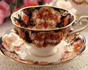 Royal Albert Heirloom Avon Teacup and Saucer, Imari with Gold Chintz Tea Cup Made in England