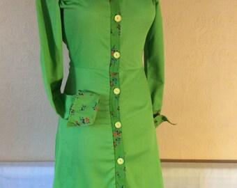 1970s vibrant green shirtwaister