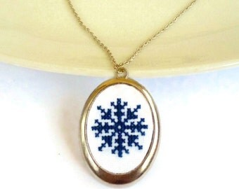 Snowflake necklace Winter jewelry Christmas gift for her mom Snowflake ornament Embroidery jewelry Frozen jewelry Winter necklace Boho