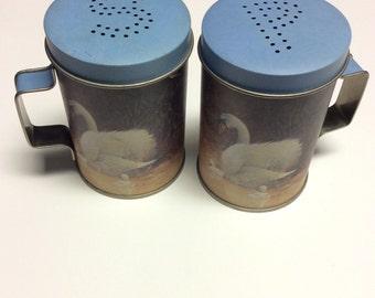 Swan Salt and Pepper Shakers - Swans - Salt Shaker - Pepper Shaker - Home Decor - Kitchen Decor - Shakers - Vintage Salt and Pepper