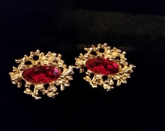 Vintage SWANK Cuff Links with Red Stone