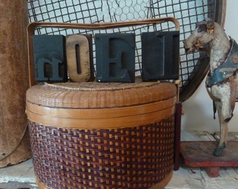 antique chinese basket / wedding basket / sewing basket / bamboo food carrier / vintage basket / woven basket / bamboo basket / vintage