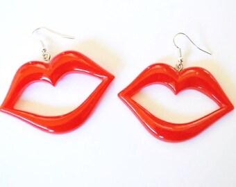 Red lips kiss earrings