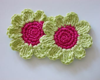 2 large crocheted flowers - 6 cm
