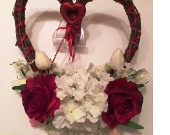 Valentine Grapevine Wreath, Heart  Wreath, Heart Shaped Grapevine Wreath, Valentine Heart Grapevine Wreath, Front Door Valentine Wreath