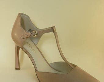 Size 12 M Retro Leather T-Strap High Heels Pointed Toe Beige