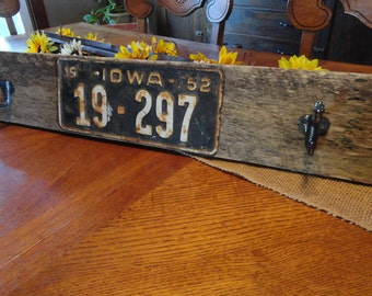 Reclaimed Wood Wall Coat/Hat/Towel Rack w/ Hooks & License Plate,Country Farmhouse Bathroom Towel Rack w/ Hooks,Classic License Plate Decor
