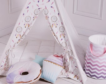 Kids Tepee with pink Dreamcatcers