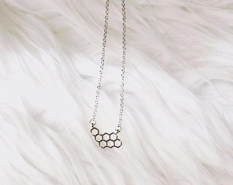 Honeycomb Necklace (Silver)