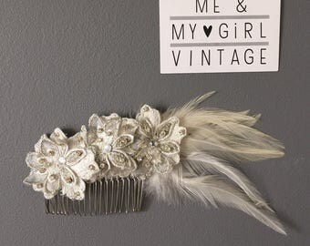 Wedding hair comb, Lace and feather hairpiece, wedding hairpiece, 20's headpiece, Gatsby headpiece, Wedding comb, Feather hairpiece