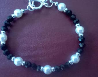 handmade bracelet with pearls