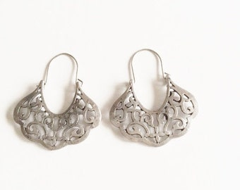 Silver tone filigree earrings