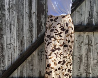 Women's Vintage Beige and Brown 90's Maxi Skirt Size 4