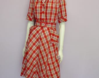 Vintage 70's red checkered dress with pockets // Eur 36 / US 6 / UK 8