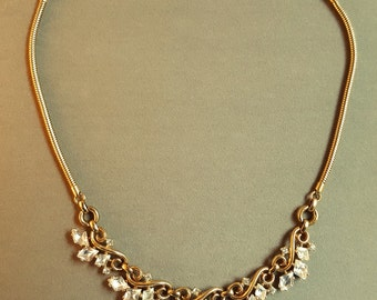 Vintage Trifari gold and crystal necklace. Exquisite 50's retro in excellent condition