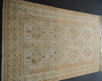 Knotted authentic Persian rug hands in Kashan in Iran, size 220cmx137cm
