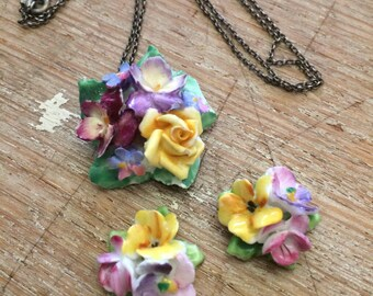 Porcelain necklace and earring set