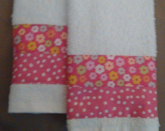 2 Pink Floral Hand Towels