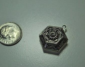 Silver carved 6 sided locket, destash, modern