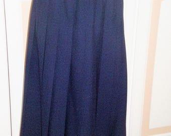 Bouton/dot Navy Pleated Skirt size 18 Vintage