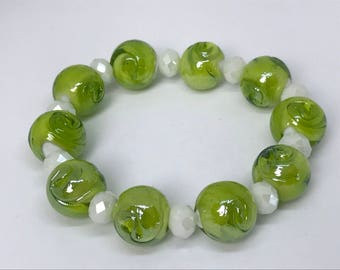 Green and White Flower Bracelet