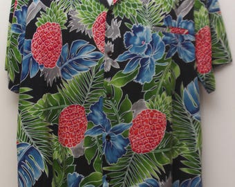 "90's Vintage ""HILO HATTIE"" Short-Sleeve Hawaiian Shirt Sz: X-LARGE (Men's Exclusive)"
