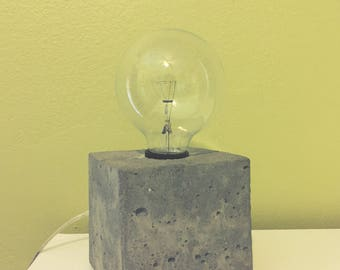 Small Craft Concrete Lamp