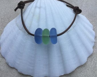 Leather adjustable sea glass bracelet ~ beach glass jewelry ~  friendship bracelet ~ beach wedding jewelry ~ glass bracelet ~ Unisex jewelry