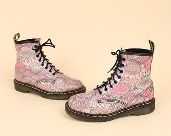 RARE Vintage 80's 90's DR. MARTENS Doc Martens Pink Snakeskin Boots Made in England 1460 combat boots  Uk 6.5 Us 8.5 - 9