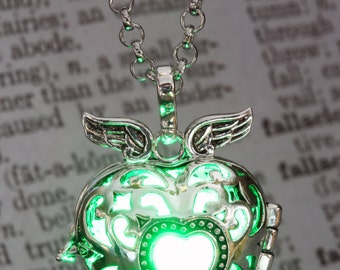 Green Glowing Pendant Winged Heart Locket Lovely Valentine  Gift for Her LED jewelry