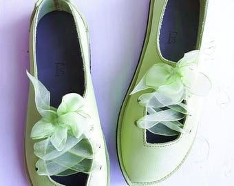 UK 7, Puck Fairytale Shoe, barefoot comfort #3318 jonquil