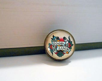 Tattoo Good Luck Horse Shoe Small Pin Brooch Tie Tack Vintage Style Bronze Wedding Groom Groomsmen Retro
