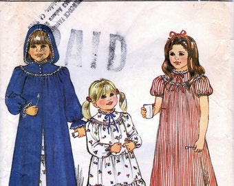 1980s Butterick 4675 Vintage Sewing Pattern Girls Long Robe, Hooded Robe, Long Nightgown Size 2-3-4-5-6