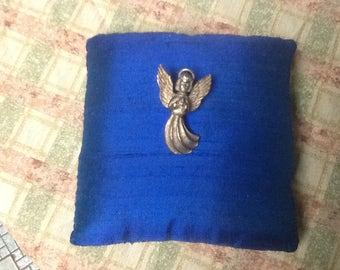 Pewter angel pin