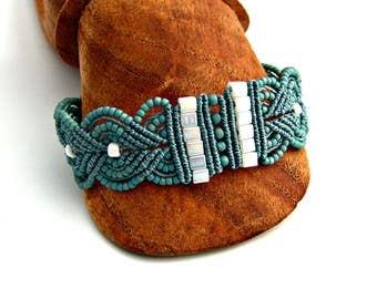 Turquoise Macrame Bracelet - Micro Macrame Leaves Bracelet - Turquoise Bracelet - Artisan Bracelet - Boho Bracelet - Macrame Jewelry