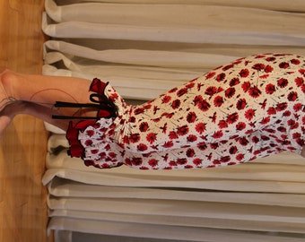 Capri bloomers ruffles pants - YOUR SIZE - red flowers print