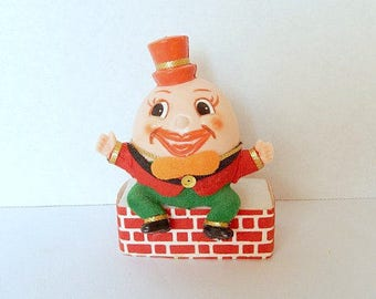 SALE - vintage Humpty Dumpty figurine, 1950's, plastic, home decor, collectible, nursery rhyme character
