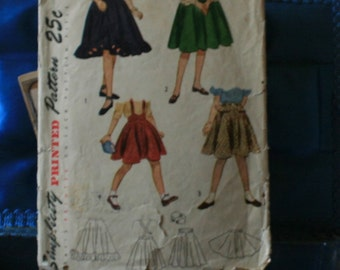 1950s Simplicity 2592  girls skirt size 10 four looks