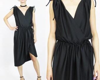 1970s Black Wrap Dress Jersey Grecian Dress 70s Disco Dress Sleeveless Knee Length LBD Cocktail Party Dress Retro Keyhole Bows (XS/S/M) E275