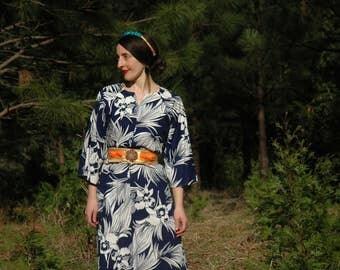 Plus Size... 1970s Vintage Tropical Dress... All Cotton... Plus Size Cotton Hawaiian Dress