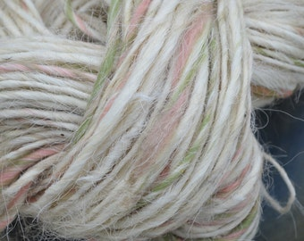 Hand Spun Yarn. Greyface Dartmoor ++ 88 Yards; 5.1 0z