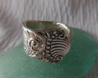 Antique Spoon Ring   Silver plate  Size 6