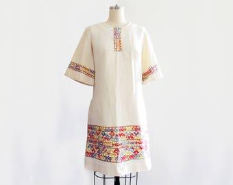 1970's Cotton Embroidered Linen Tunic Dress // by Lazy U // Chique Hippie Dress // Boho Dress // Size Medium