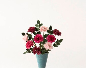 1/12th Scale Vase of Roses