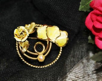Enamel Yellow Flower on Gold with Faux Pearl Brooch, Vintage Pin, Vintage Enameled Pin   -  H