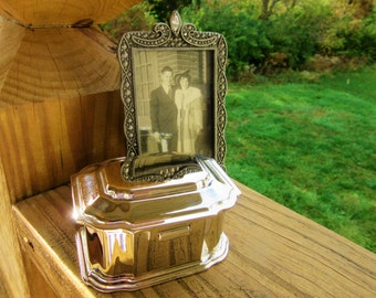 Vintage Beautiful Art Deco Silverplate Small Jewlery Casket Navy Blue Lining Pristine Condition