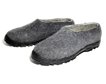 Mens Felted Slippers Charcoal Rubber Soles, Wool Shoes, Snow Boot, Wool Boot Felt Wool Clogs, Cold Feet, Eco Friendly, Mens Shoes, 100% Wool