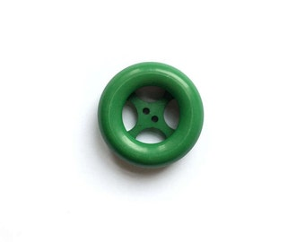 1 Large Vintage Green Button, 35mm