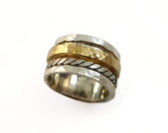 Silver gold spinner ring. worry ring,  Floral spinner ring. Wide spinner ring. Silver floral ring. lazy ring. wedding band. meditation ring